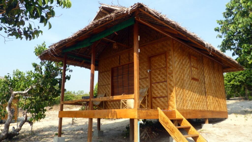 Beach Bungalow with Ocean view Sinhtauk Dawei Myeik