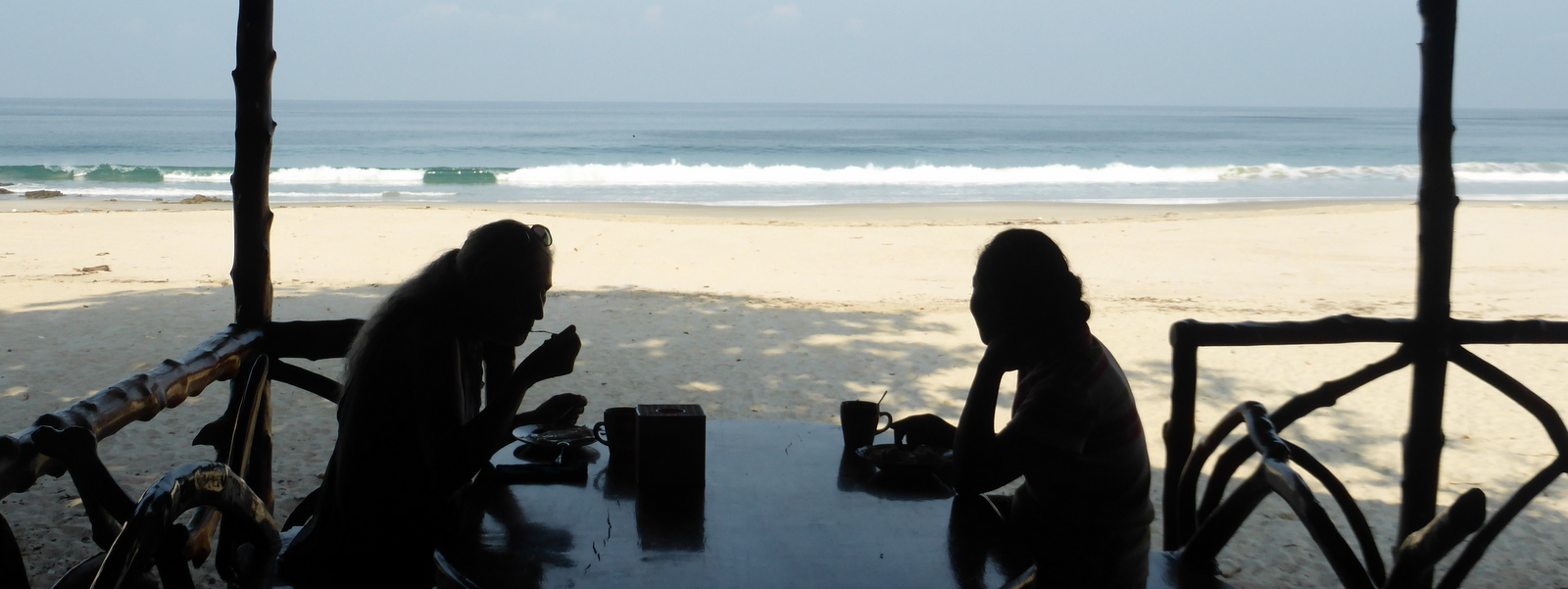 Breakfast-on-Sinhtauk-Beach