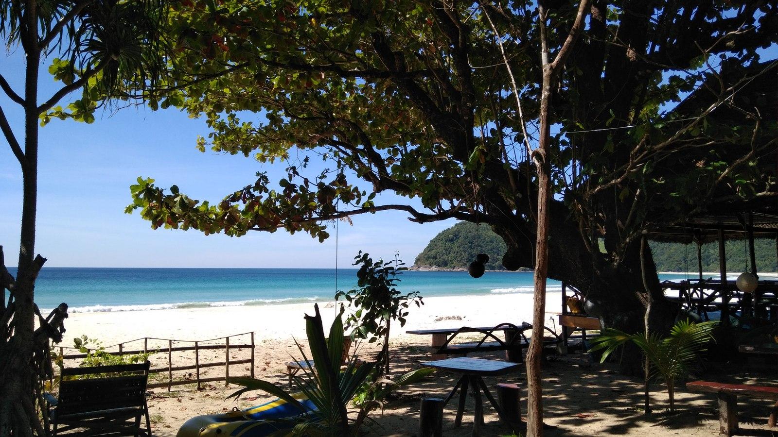 Beach restaurant at Sin Htauk
