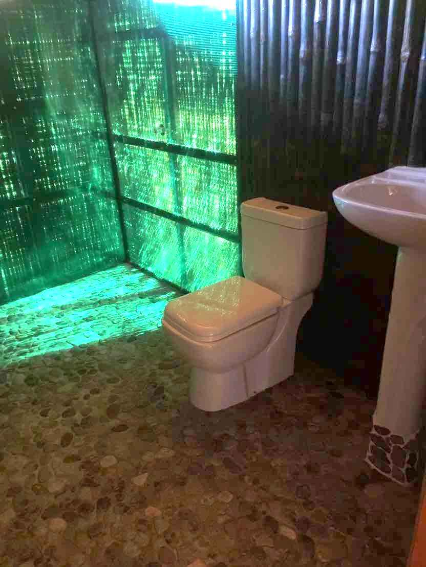 Bathroom with flat stones in Sin Htauk
